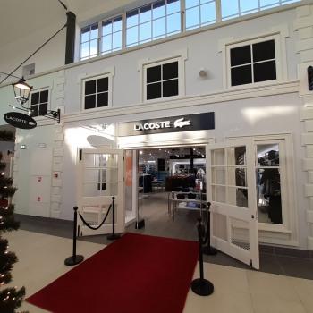 <p>Lacoste w nowej części handlowej Designer Outlet Warszawa powitał klient&oacute;w</p>